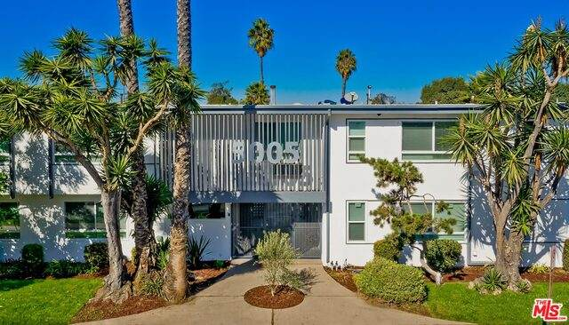 5005 August St, Los Angeles, CA 90008 (#20-661286) :: Arzuman Brothers