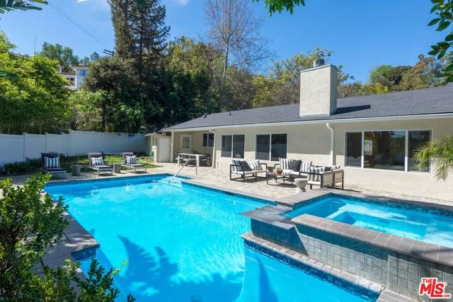 3640 Wrightwood Dr, Studio City, CA 91604 (#20-661296) :: The Grillo Group