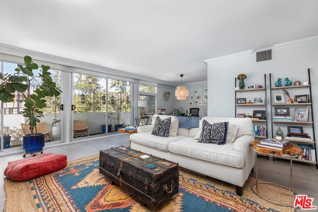 511 San Vicente Blvd #104, Santa Monica, CA 90402 (#20-661374) :: The Ellingson Group