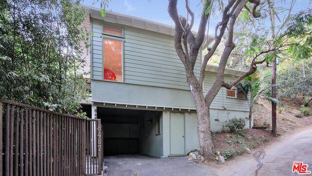 8487 Utica Dr, Los Angeles, CA 90046 (#20-662356) :: The Grillo Group