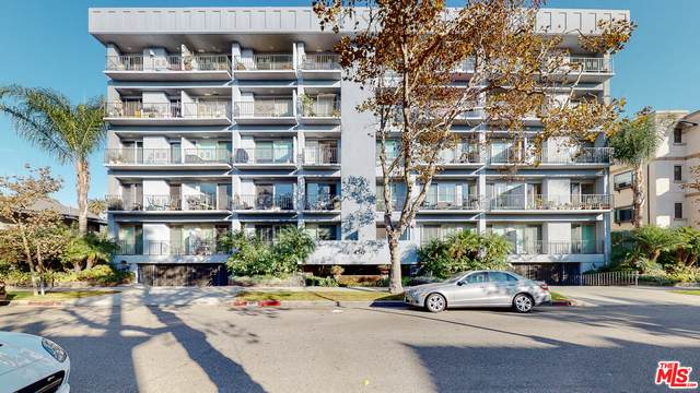 450 S Maple Dr #303, Beverly Hills, CA 90212 (#20-662510) :: The Ellingson Group
