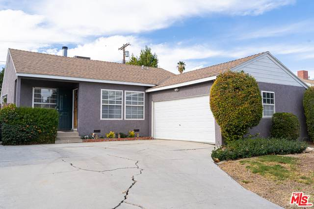 6649 Capps Ave, Reseda, CA 91335 (MLS #20-664606) :: The Jelmberg Team