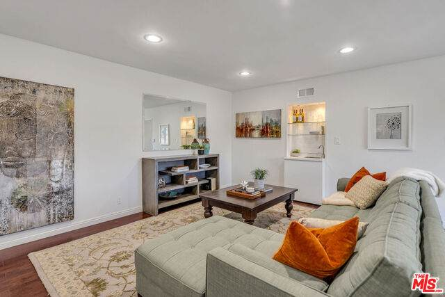 11670 W Sunset Blvd #312, Los Angeles, CA 90049 (#20-664608) :: The Grillo Group