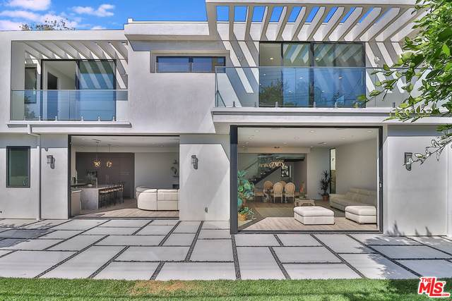 3105 Colby Ave, Los Angeles, CA 90066 (#20-664624) :: The Ellingson Group