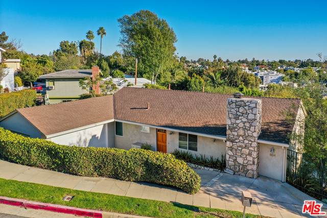 854 Las Lomas Ave, Pacific Palisades, CA 90272 (#20-664906) :: The Ellingson Group