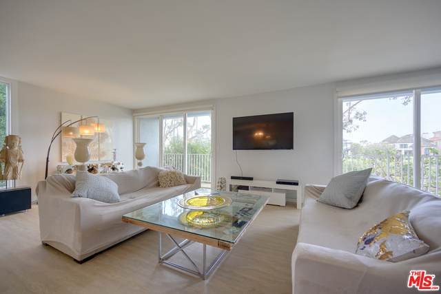 25 Northstar St #2, Marina Del Rey, CA 90292 (#20-664958) :: The Ellingson Group