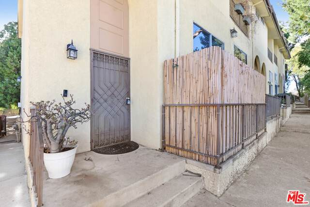 23011 Del Valle St #1, Woodland Hills, CA 91364 (#20-665160) :: Randy Plaice and Associates