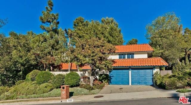 2446 La Condesa Dr, Los Angeles, CA 90049 (#20-666014) :: The Ellingson Group