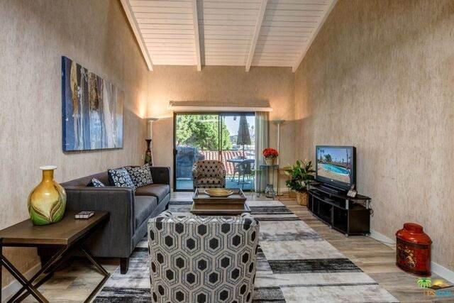 351 E Via Carisma #94, Palm Springs, CA 92264 (#20-667890) :: The Pratt Group