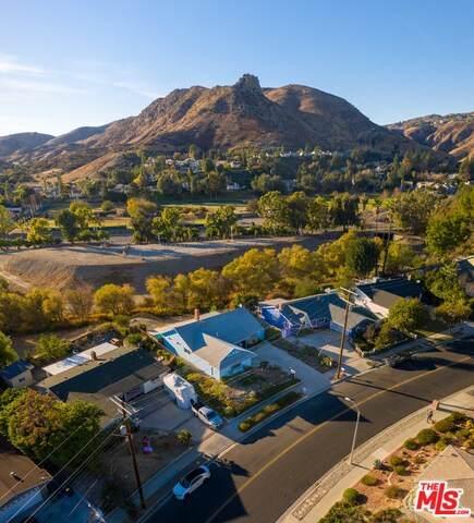 24274 Highlander Rd, West Hills, CA 91307 (#20-668886) :: The Pratt Group