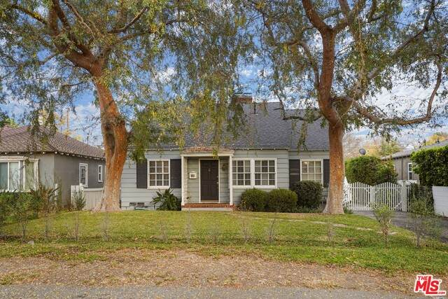 4706 Beck Ave, Valley Village, CA 91602 (#20-668952) :: The Parsons Team