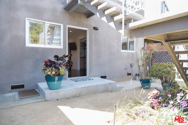 106 Paloma Ave - Photo 1