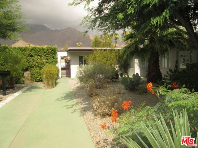 1020 N Indian Canyon Dr, Palm Springs, CA 92262 (#20-669726) :: The Pratt Group