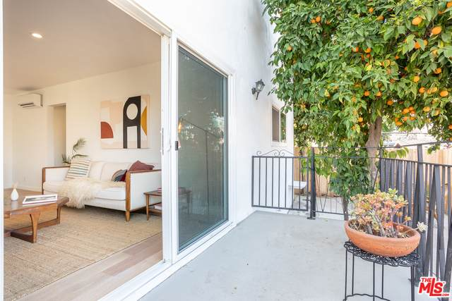 2135 Bellevue Ave #5, Los Angeles, CA 90026 (#20-671370) :: Berkshire Hathaway HomeServices California Properties