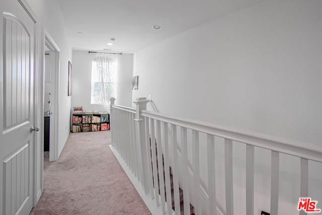 26724 Lexington Ln, Santa Clarita, CA 91350 (#20-673304) :: Berkshire Hathaway HomeServices California Properties