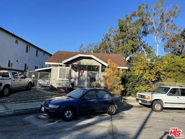 2517 Alsace Ave - Photo 1