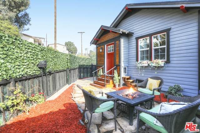2718 7th Ave, Los Angeles, CA 90018 (MLS #20-674528) :: Zwemmer Realty Group