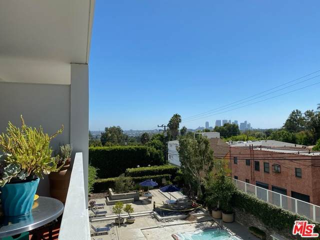 999 Doheny Dr - Photo 1