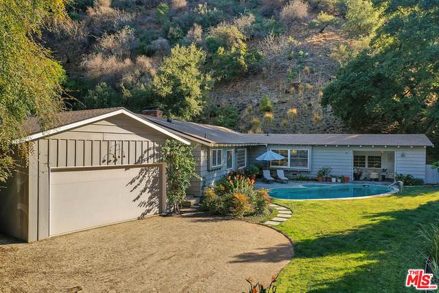 2940 Mandeville Canyon Rd - Photo 1