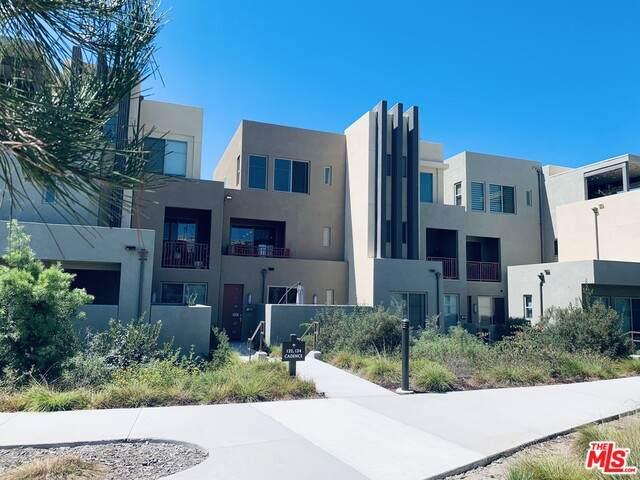 132 Cadence, Irvine, CA 92618 (MLS #21-675196) :: Mark Wise | Bennion Deville Homes