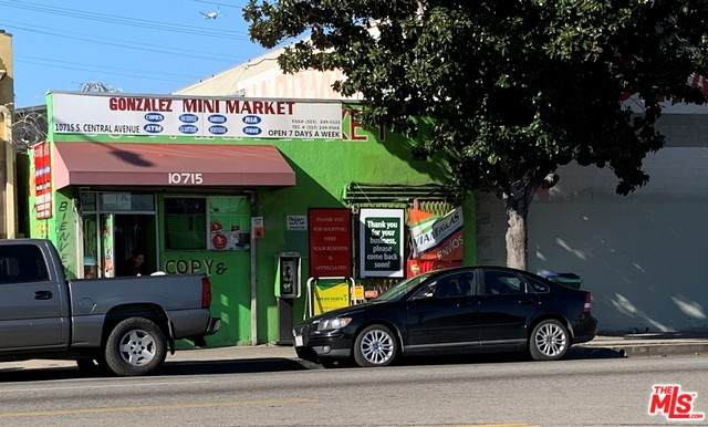 10715 S Central Ave, Los Angeles, CA 90059 (#21-675332) :: TruLine Realty