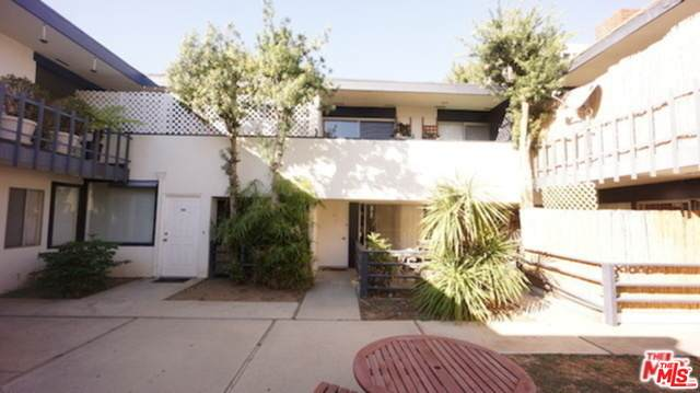 1233 Barry Ave - Photo 1