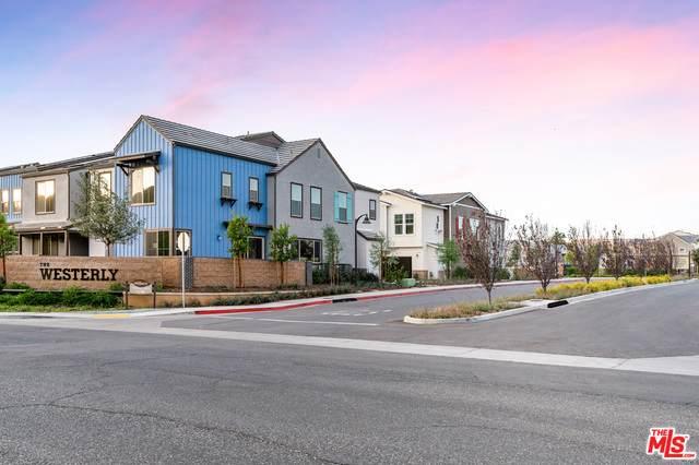 145 Farmhouse Dr #1, Simi Valley, CA 93065 (#21-676472) :: The Pratt Group