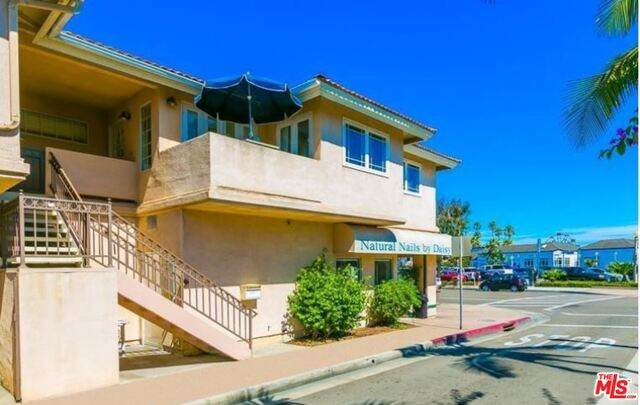615 E Balboa Blvd A, Newport Beach, CA 92661 (#21-676654) :: Randy Plaice and Associates