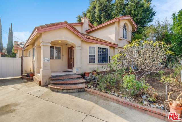 4138 Fairman St, Lakewood, CA 90712 (#21-677762) :: The Pratt Group