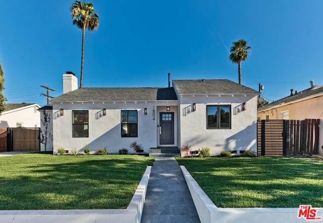 1804 S Burnside Ave, Los Angeles, CA 90019 (#21-678450) :: The Pratt Group