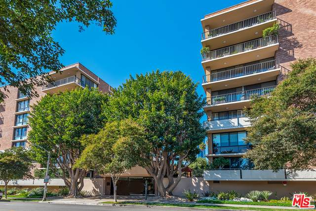 211 S Spalding Dr N301, Beverly Hills, CA 90212 (#21-679048) :: The Pratt Group