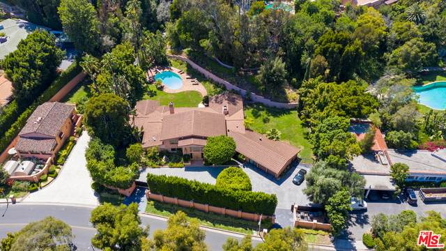 1013 N Beverly Dr, Beverly Hills, CA 90210 (#21-679186) :: The Pratt Group
