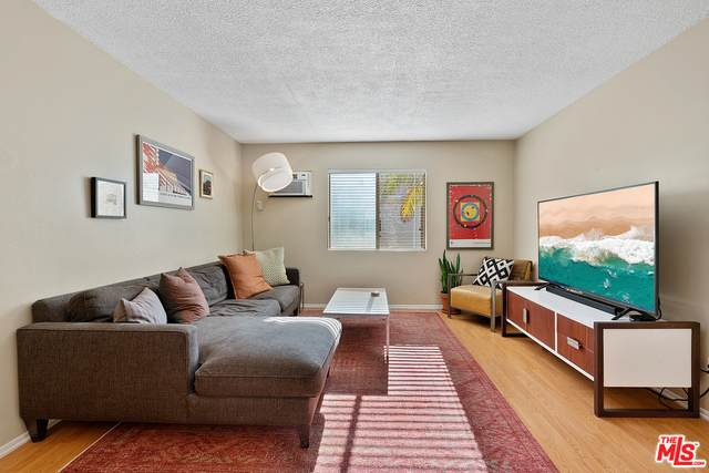 3756 Bagley Ave #204, Los Angeles, CA 90034 (#21-679834) :: Lydia Gable Realty Group