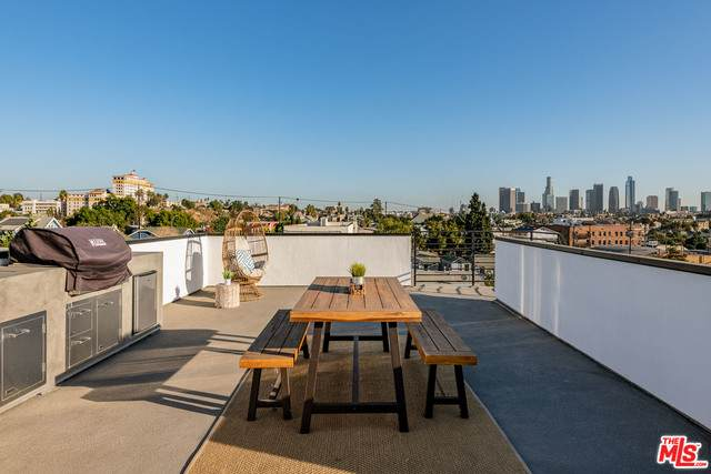 345 N La Fayette Park Pl, Los Angeles, CA 90026 (MLS #21-680022) :: Mark Wise | Bennion Deville Homes