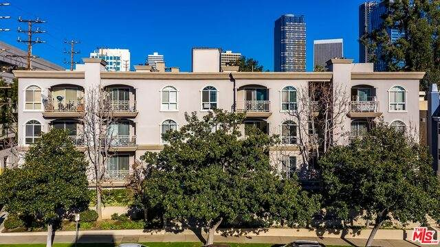 1820 S Beverly Glen Blvd #208, Los Angeles, CA 90025 (#21-680712) :: The Pratt Group