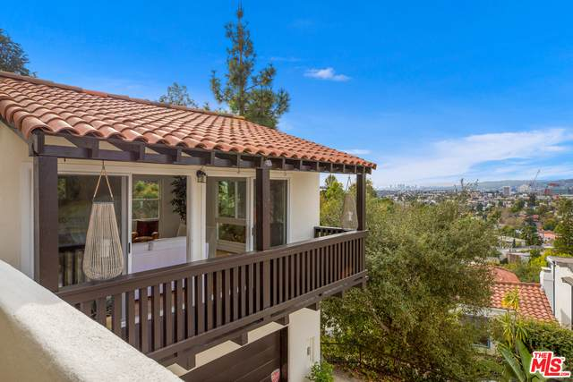 3414 Fernwood Ave, Los Angeles, CA 90039 (#21-680766) :: The Parsons Team