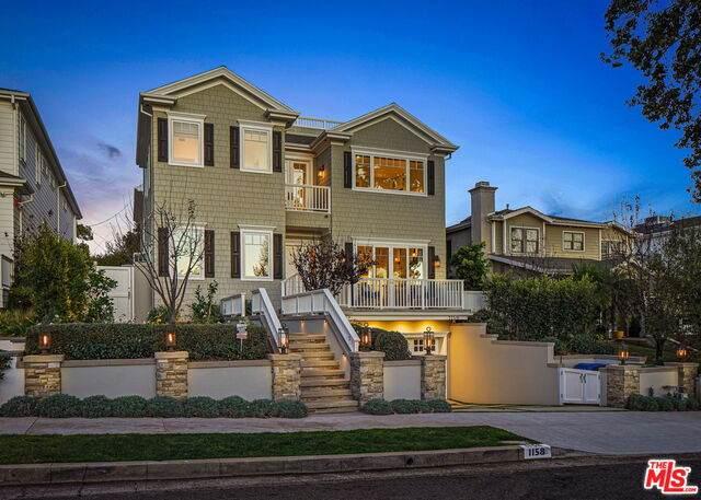 1158 Hartzell St, Pacific Palisades, CA 90272 (#21-680826) :: The Suarez Team