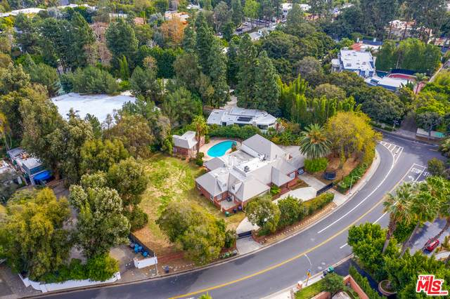 1012 N Beverly Dr, Beverly Hills, CA 90210 (#21-680842) :: The Suarez Team