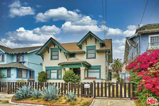 2237 Cambridge St, Los Angeles, CA 90006 (#21-680930) :: The Pratt Group