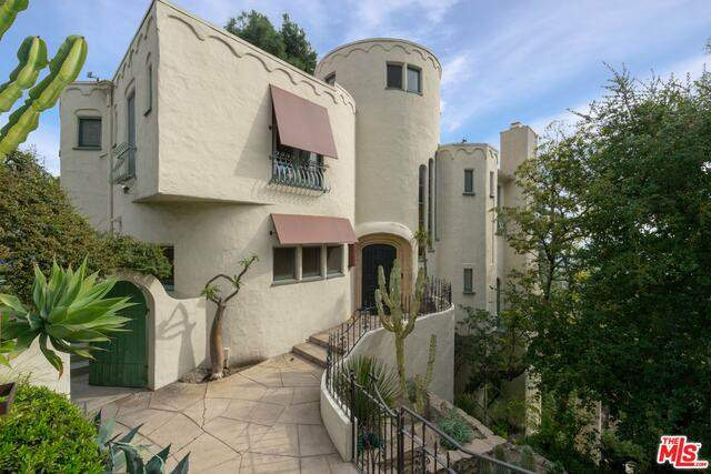 8142 Laurel View Dr, Los Angeles, CA 90069 (#21-680992) :: The Pratt Group