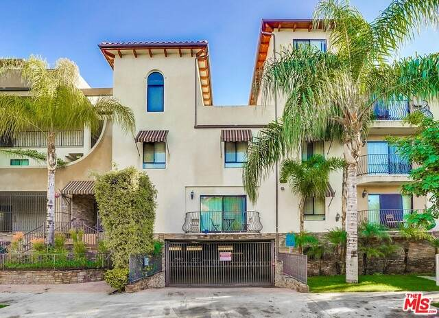 5264 Satsuma Ave #16, North Hollywood, CA 91601 (MLS #21-681226) :: Mark Wise | Bennion Deville Homes