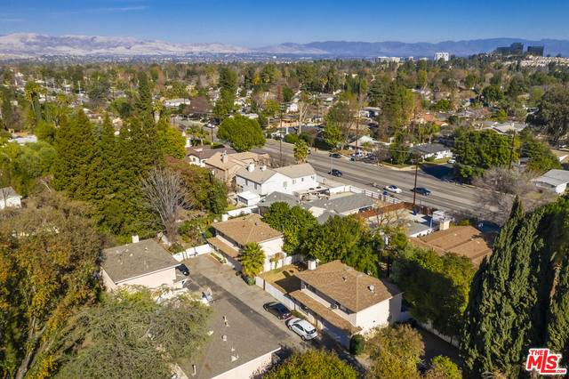 22819 Mariano St, Woodland Hills, CA 91367 (#21-681448) :: Randy Plaice and Associates