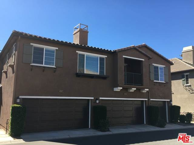 19344 Laroda Ln, Santa Clarita, CA 91350 (#21-681640) :: The Grillo Group