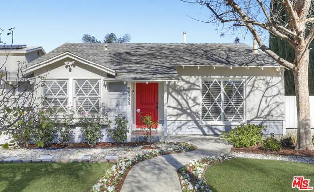 22733 Berdon St, Woodland Hills, CA 91367 (#21-681874) :: Lydia Gable Realty Group