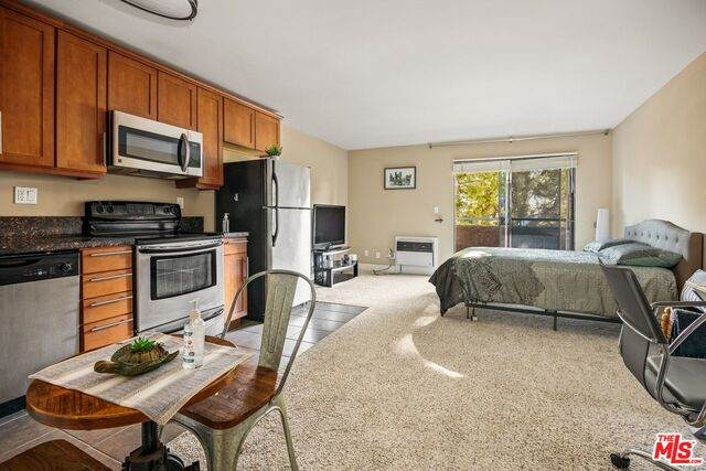 10982 Roebling Ave #345, Los Angeles, CA 90024 (#21-682206) :: The Pratt Group