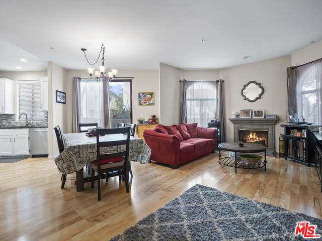 1541 S Bedford St #104, Los Angeles, CA 90035 (#21-682502) :: TruLine Realty