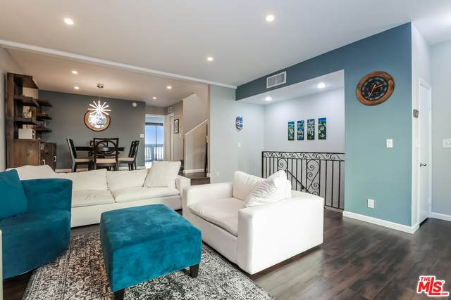 4222 Troost Ave #24, Studio City, CA 91604 (#21-682928) :: TruLine Realty
