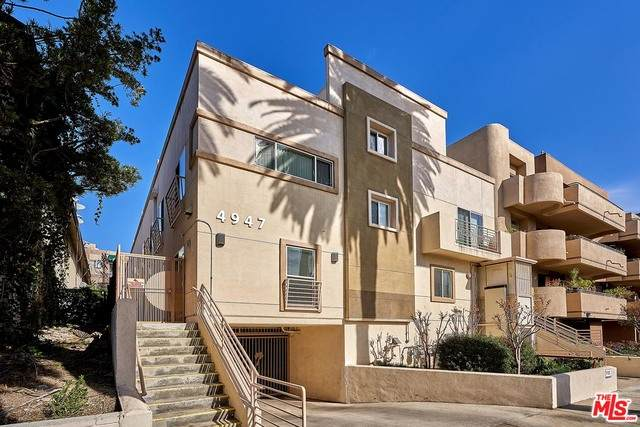 4947 Rosewood Ave #1, Los Angeles, CA 90004 (MLS #21-683010) :: Zwemmer Realty Group