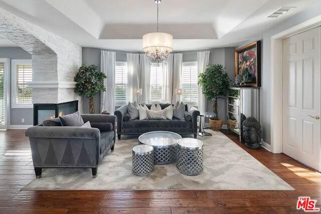7293 Littler Ct, Moorpark, CA 93021 (MLS #21-683070) :: Mark Wise | Bennion Deville Homes