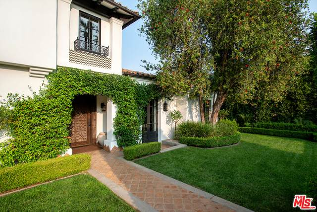 510 N Hillcrest Rd, Beverly Hills, CA 90210 (#21-683378) :: TruLine Realty